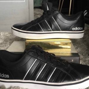 Men's Adidas VS PACE 7 1/2 Sneakers